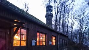 Gemütlich ist's in der Hütte, auch ohne Schnee