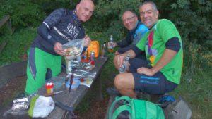 Beim Essen zubereiten: DerMario, Wolle und Dirk