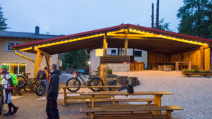 Unser späteres Nachtlager. Dadurch brauchte ich kein Zelt im Regen aufbauen